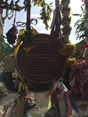 Crossbones Graveyard: Sad, sad place.