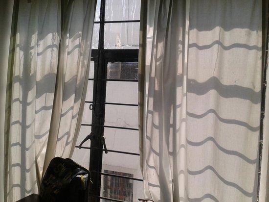 Hostel Amigo Suites: La vista... Hacia ningún lado :P