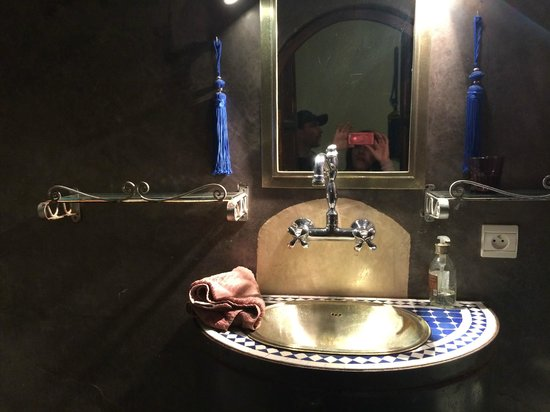 Riad Dar Khmissa : chambre indigo