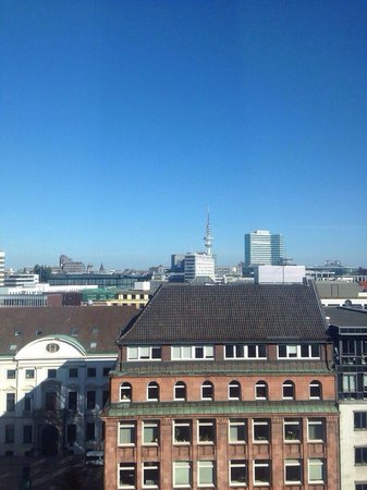 Sofitel Hamburg Alter Wall: View from room 8304 (7th floor facing canals)