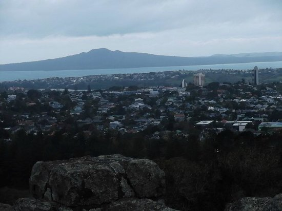 One Tree Hill (Maungakiekie) : Rangitoto Island, another extinct volcano
