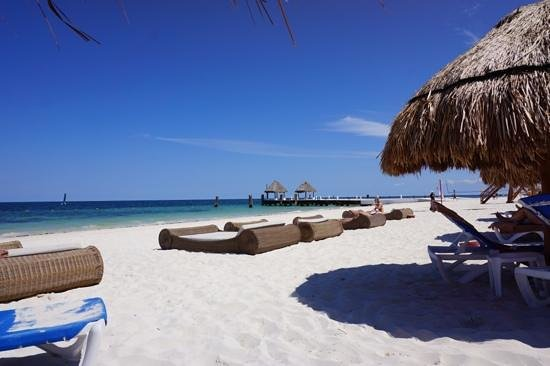 Excellence Riviera Cancun : beach beds