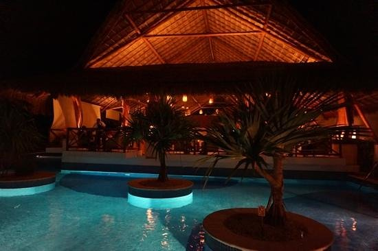 Excellence Riviera Cancun : lobster house restaurant at night