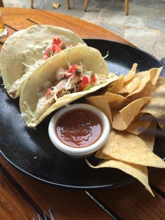 Hula Grill Kaanapali : fish tacos