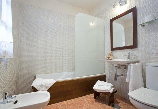 Hotel Rural El Fundil: Baño nº 14