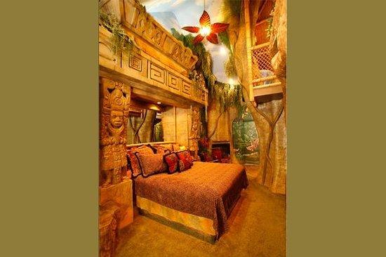 Black Swan Inn Luxurious Theme Suites : Mayan Rain Forest