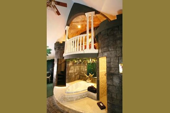 Black Swan Inn Luxurious Theme Suites : Romeo and Juliet
