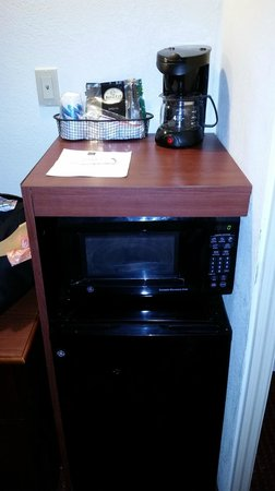 Sleep Inn Near Busch Gardens/usf: Coffee machine, microwave and fridge.