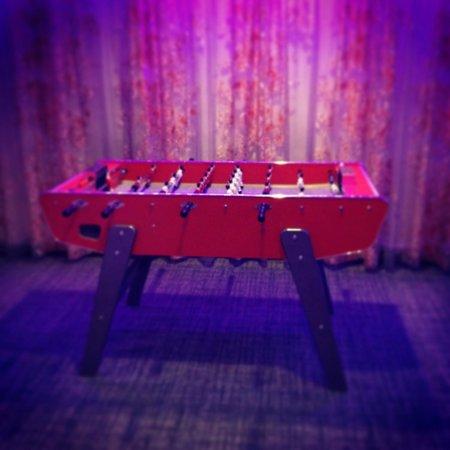 Hotel BLOOM!: Baby foot dans la salle du bas