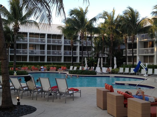 Hilton Fort Lauderdale Marina: Poolside