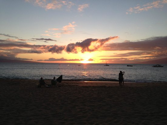 The Westin Maui Resort & Spa: Sunset from the Westin's beach