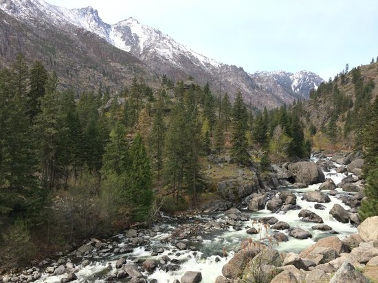 Icicle Inn at Icicle Village Resort: Excellent hiking opportunities.
