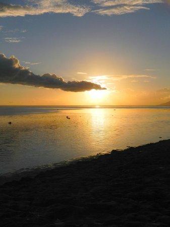 Pension de la Plage Tahiti : couché de soleil sur la plage
