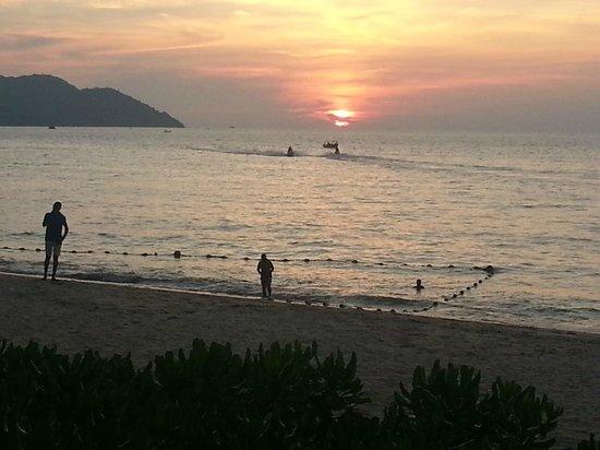 PARKROYAL Penang Resort, Malaysia: Sunset