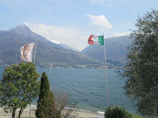 Hotel Lumin: Vista da varanda do quarto - Lago di Como