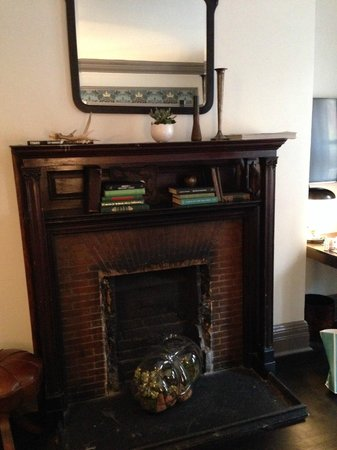 The High Line Hotel: fireplace mantel area in Queen deluxe room