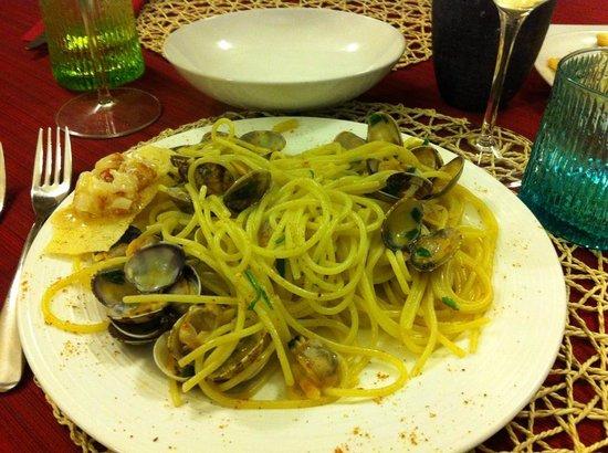 Ristorante Stuzzico: spaghetti alle vongole e bottarga