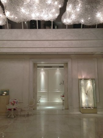 Boscolo Exedra Nice, Autograph Collection: The lobby from the lift
