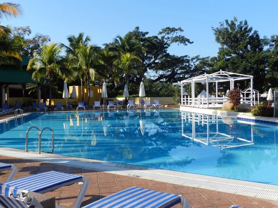Meliá Santiago de Cuba: piscina hotel