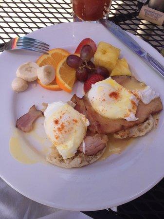 The Cottage: Eggs Benedict
