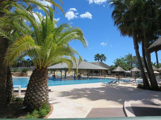 Yelloh! Village Domaine du Colombier : Balneo/18+ zwembad en spa