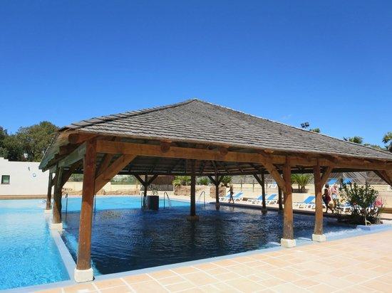 Yelloh! Village Domaine du Colombier: Balneo/18+ zwembad en spa