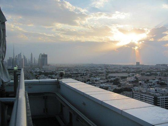 Park Regis Kris Kin Hotel: View from roof