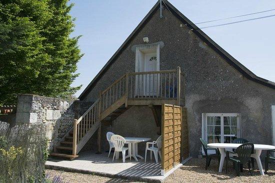Domaine de la Chapelle : Studio : Terrasse et escalier d'accès