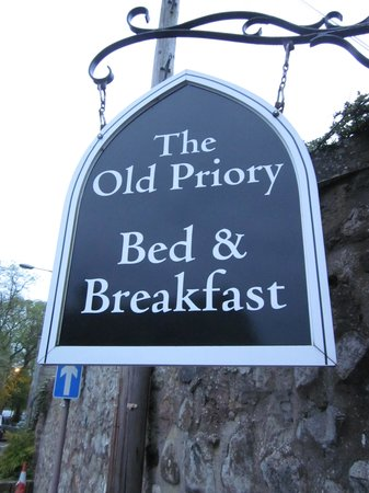 The Old Priory Bed and Breakfast: The Old Priory B & B