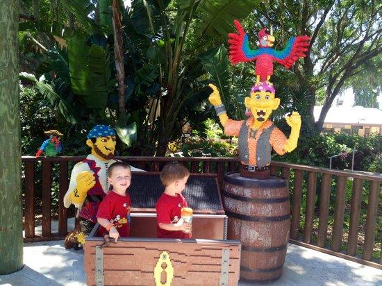 LEGOLAND Florida Resort : My pirates with the lego pirates