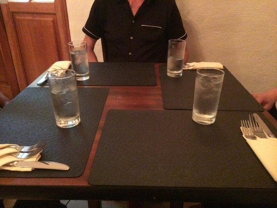 Cuatro: Small table for 4 adults. You have to put your elbow on top of the neighbors napkin.