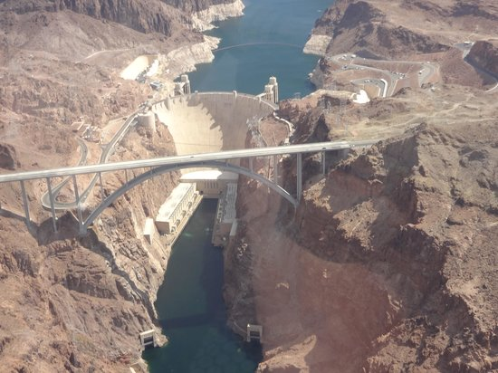 Sundance Helicopters : Hoover Dam