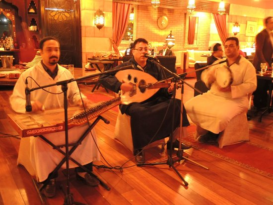 Sofitel Cairo El Gezirah: Live music while you eat in the gorgeous Moroccan restaurant