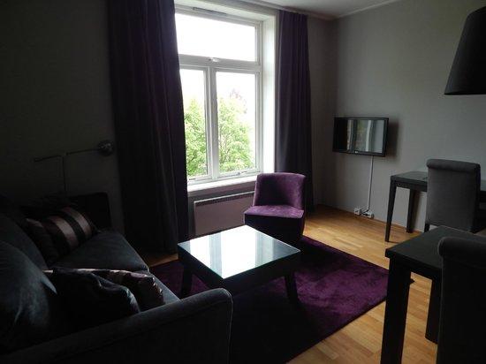 Frogner House Apartments - Skovveien 8: гостиная и рабочая зона