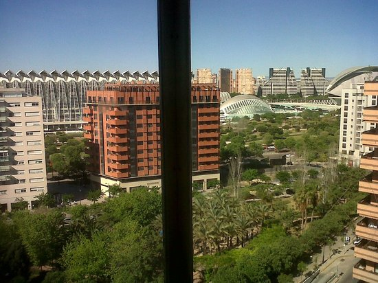 Tryp Valencia Oceanic Hotel: view from elevator