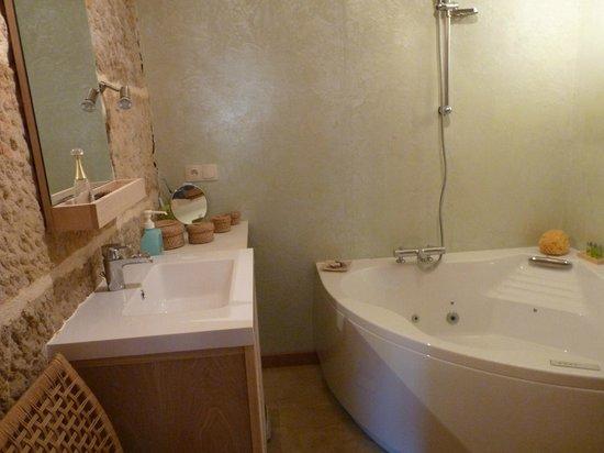 Beaulieu, France : Salle de bains