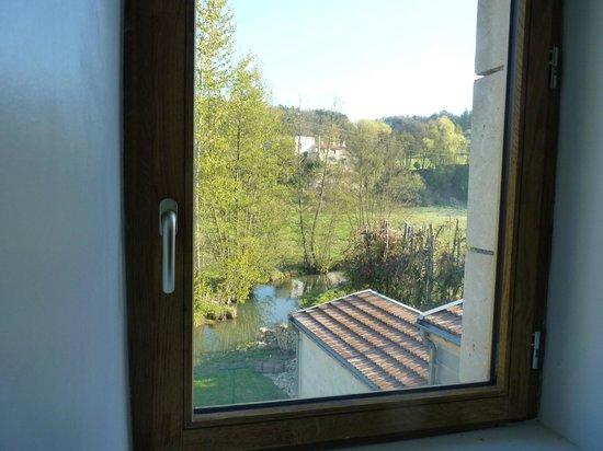 Beaulieu, France : Rivière, vue de la chambre