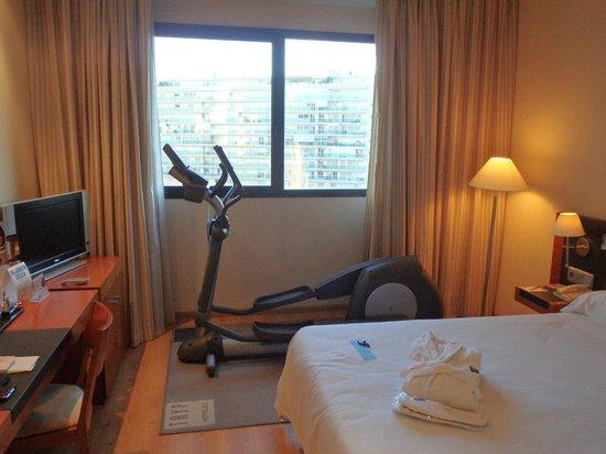 Tryp Valencia Oceanic Hotel: fitness room
