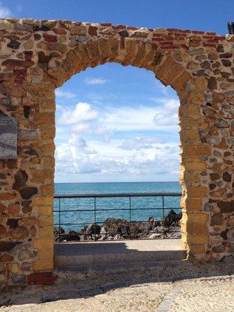 Finestra sul mare fotograf a de cefalu coast cefal - Una finestra sul mare ...