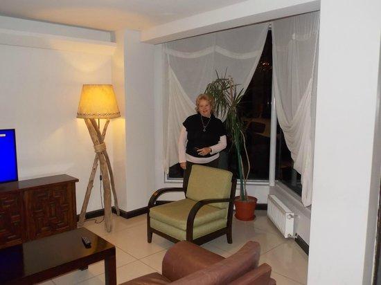 Hotel Crans Montana: Sala de estar y esparcimiento.