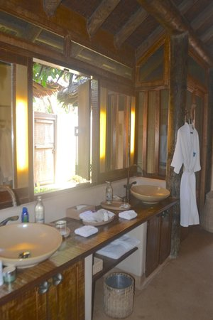 The Naka Island, A Luxury Collection Resort & Spa Phuket : bathroom sink area for Beachfront Villa