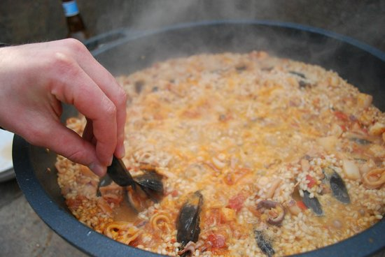 Yves Nicolier Sandrock : Preparando la paella