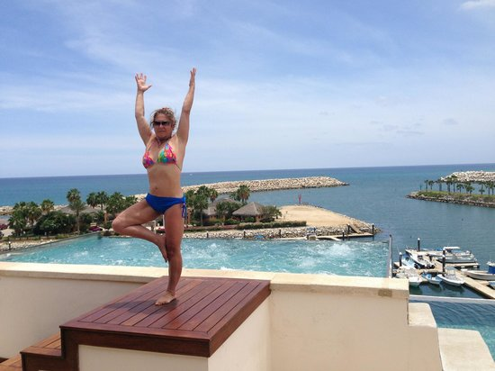 Hotel El Ganzo : Yoga, on top of the world. At the famous infinity pool.