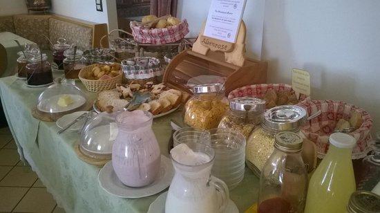 Hotel Alpenrose: Colazione con prodotti fatti in casa