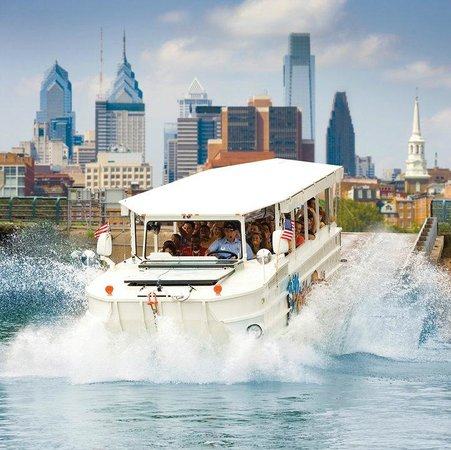 Ride The Ducks of Philadelphia : Philly's Only Land and Water Adventure