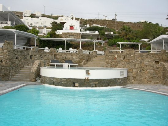 Porto Mykonos Hotel: Pool