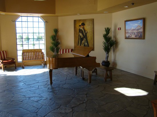The Grand Hotel at the Grand Canyon: More lobby with baby grand piano.