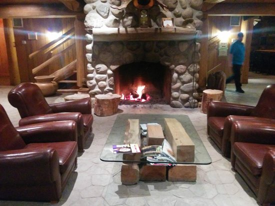 Lounge at the Hotel Sacacomie, Quebec