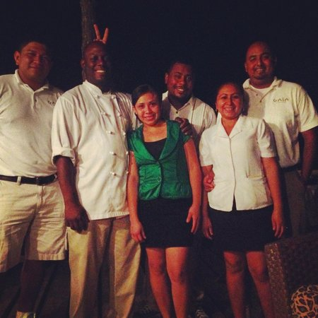 Gaia Riverlodge: The wonderful staff at Gaia