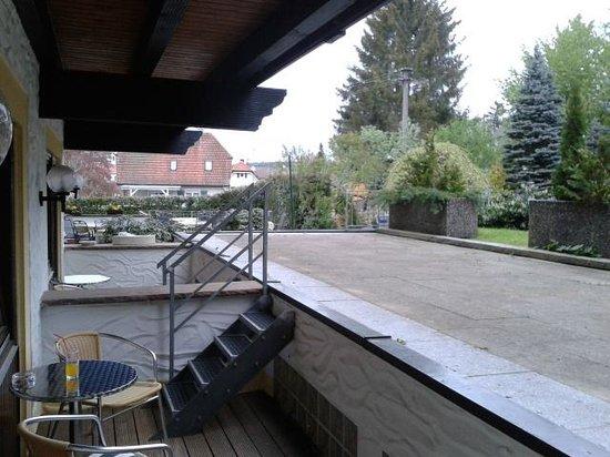 Hotel BelVital : Terrasse de la chambre 17